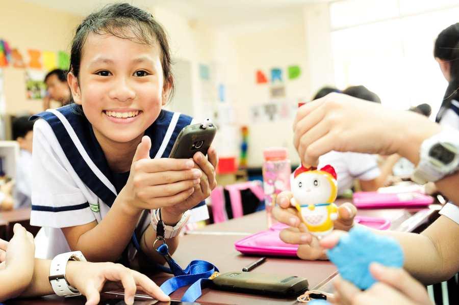Singapore-WE Learn photo_girl in classroom